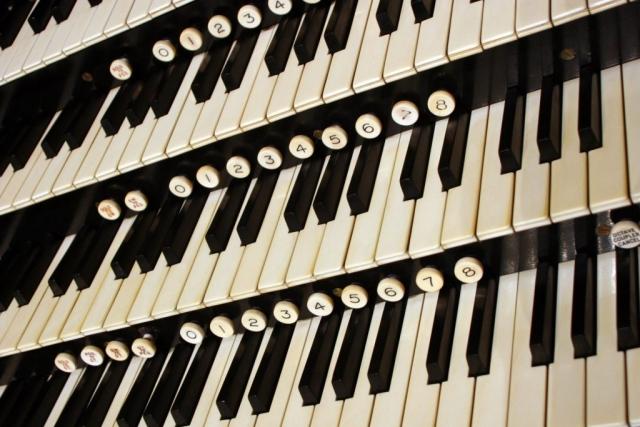Close-up on the keys of the Brangwyn Hall Willis Organ